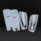 Щитки Nike CR7 Mercurial Lite SP2114-100